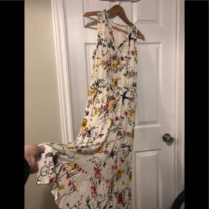Cream Floral Dress 🌷🌸🌺